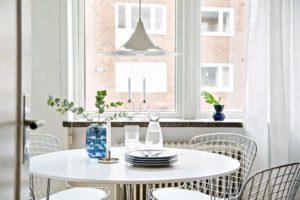 matplats och stolar