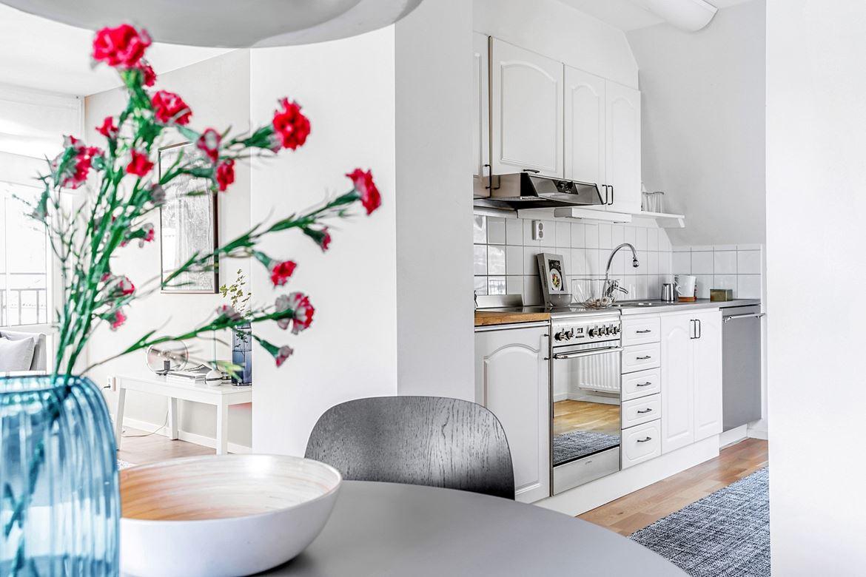 inredning matbord kök blomma detaljer